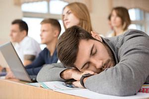 Dica de saúde: Dormir depois do almoço será que faz bem será que faz mal?